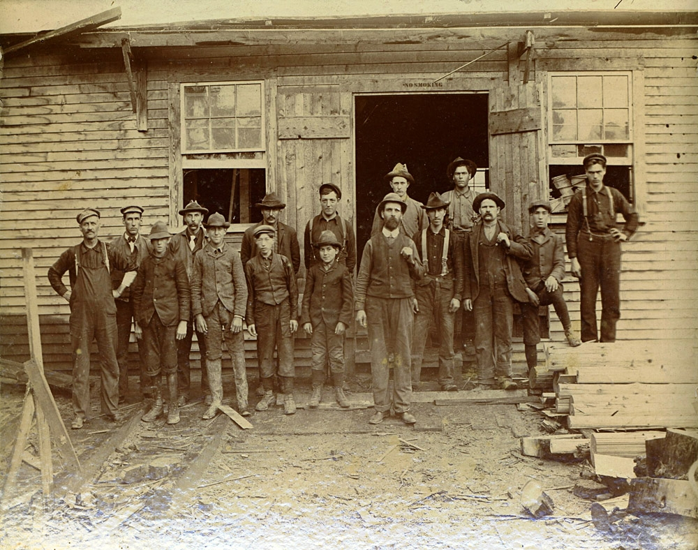 mill-workers-expo.jpg