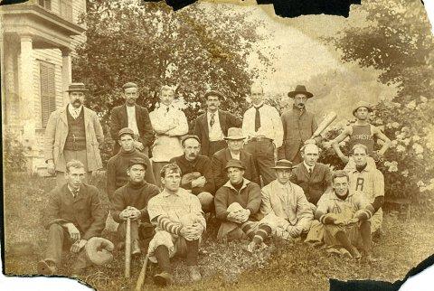 rochester-baseball-team.jpg
